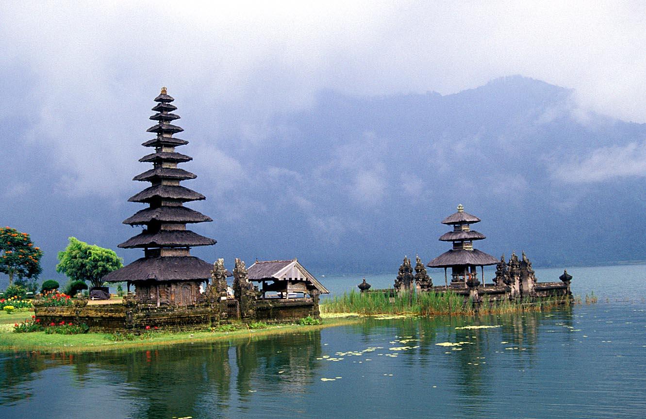 http://www.prasannaholidays.com/wp-content/uploads/2014/05/Bali2.jpg