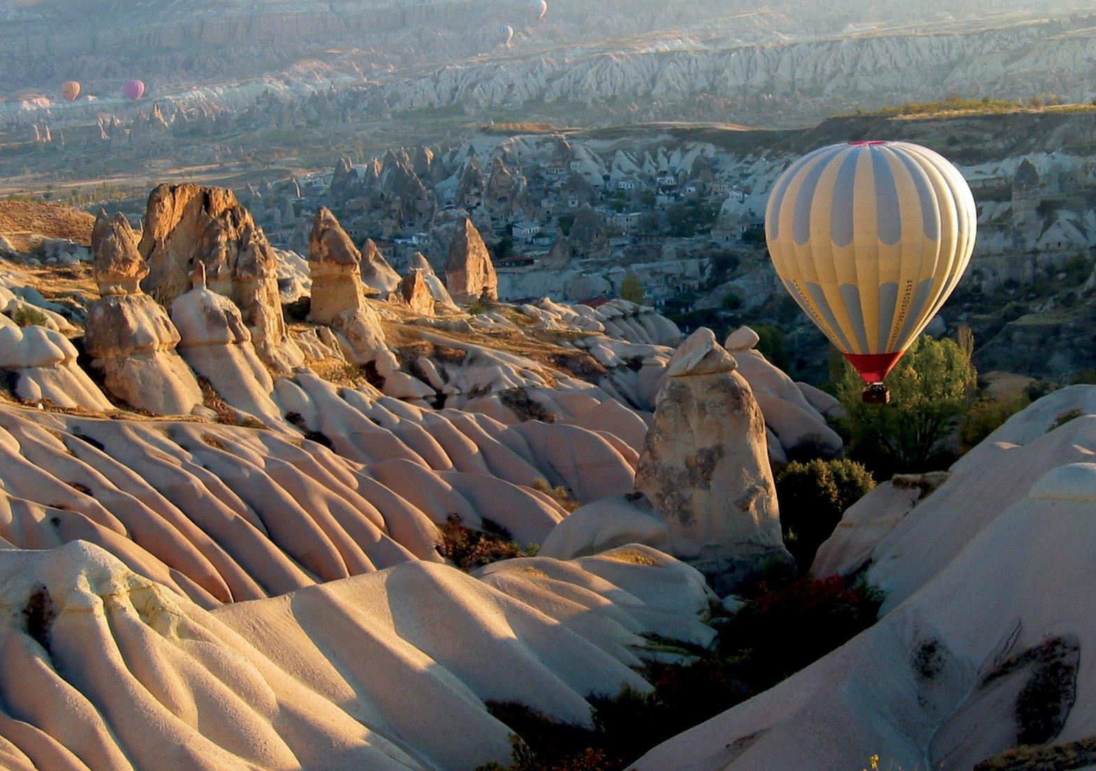 http://www.prasannaholidays.com/wp-content/uploads/2014/05/Eco-Turkey-Cappadocia1-1-1.jpg