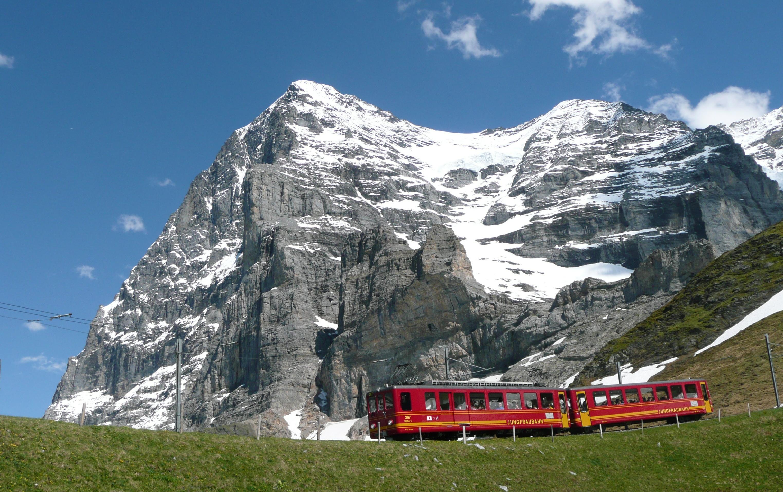 http://www.prasannaholidays.com/wp-content/uploads/2014/05/Jungfraubahn.jpg