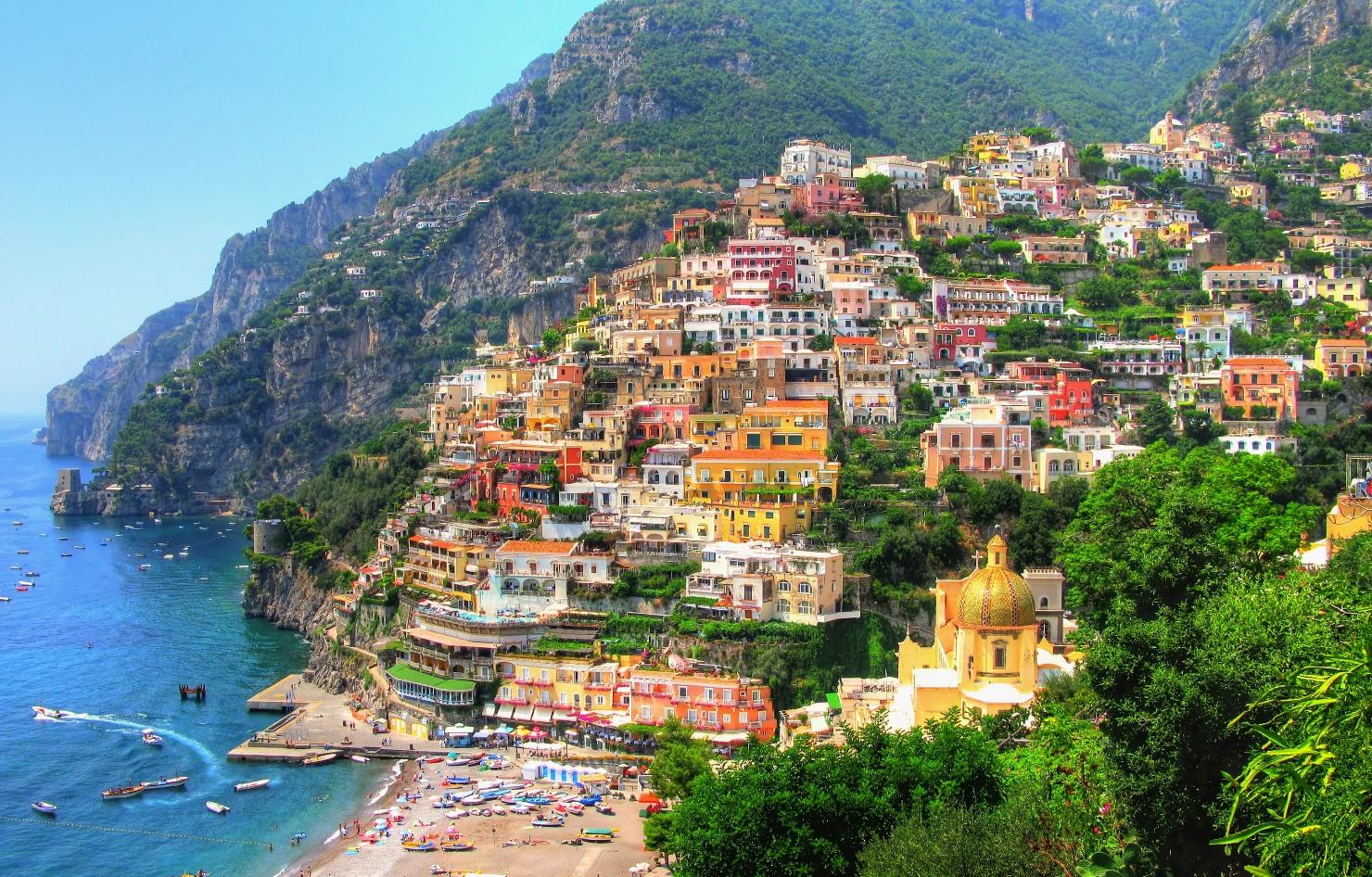 http://www.prasannaholidays.com/wp-content/uploads/2014/05/amalfi-coast-sorrento-italy.jpg