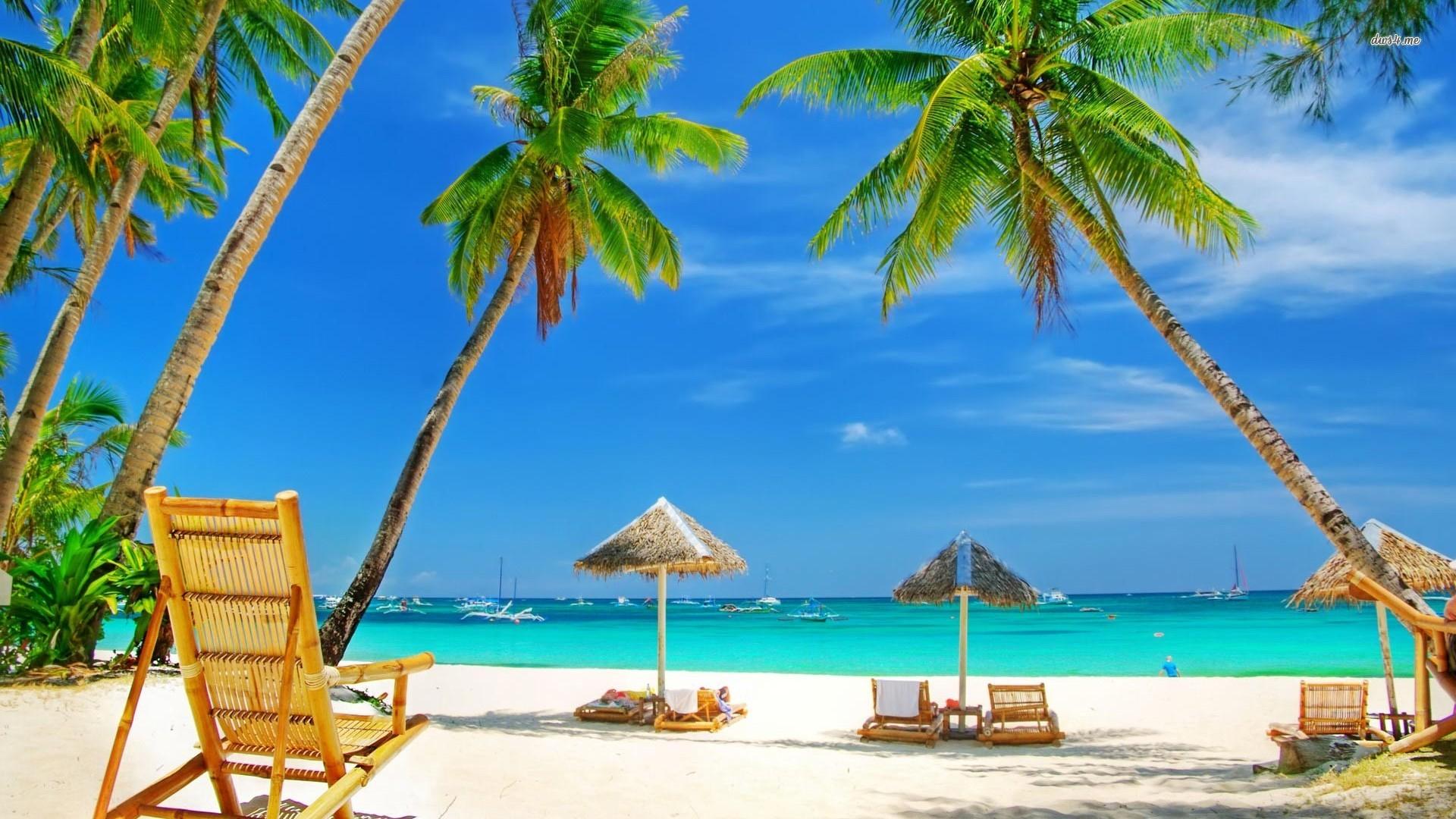 Желтый песок и лазурное море, что может быть лучше....