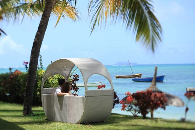 http://www.prasannaholidays.com/wp-content/uploads/2014/06/mauritius-honeymoon-tips.jpg