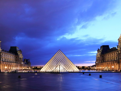 Louvre_at_dusk