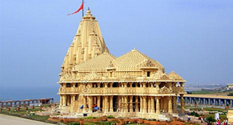 http://www.prasannaholidays.com/wp-content/uploads/2015/10/Dwarka-Temple.jpg