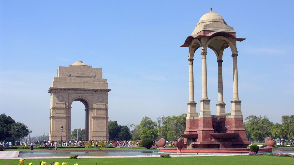 http://www.prasannaholidays.com/wp-content/uploads/2015/10/India-Gate-Delhi-Photos2_940_529_80_s_c12.jpg