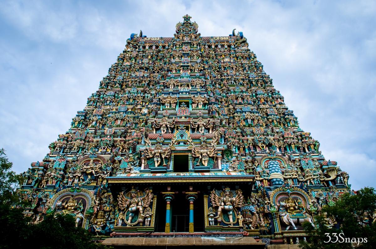 http://www.prasannaholidays.com/wp-content/uploads/2015/10/madurai-temple.jpg