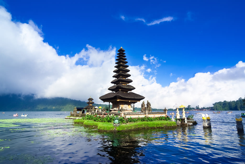 http://www.prasannaholidays.com/wp-content/uploads/2016/07/bali-must-see-temples.jpg