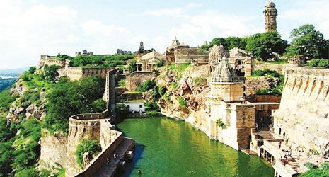 http://www.prasannaholidays.com/wp-content/uploads/2017/10/Mewar-Rajasthan-Chittorgarh-fort.jpg