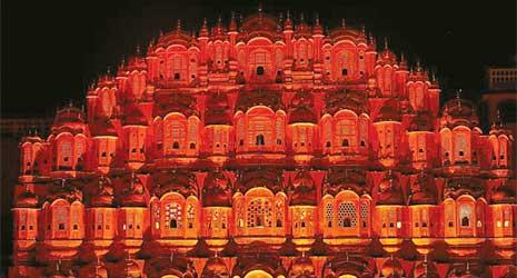 http://www.prasannaholidays.com/wp-content/uploads/2017/10/Mewar-Rajasthan-Hawa-Mahal-5.jpg